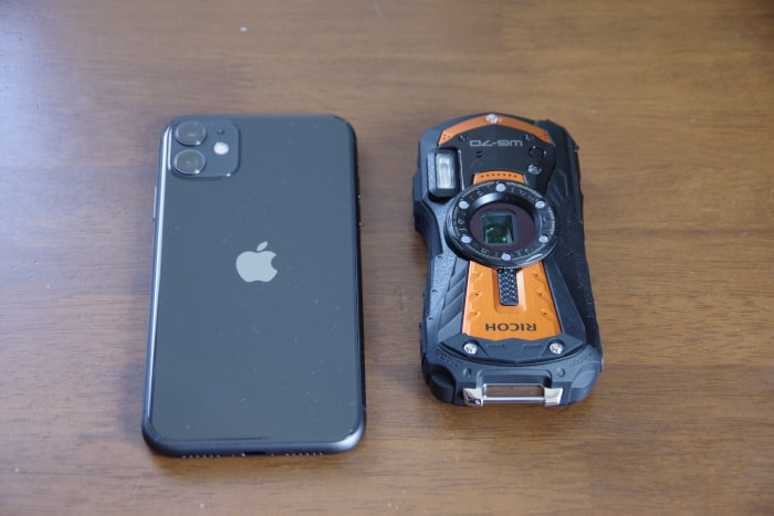 WG-70_iPhone11との比較写真