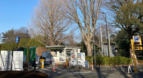 神代植物公園第一駐車場外観