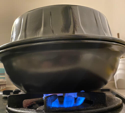TOCERAMニューセラミックス製燻製鍋で熱燻中